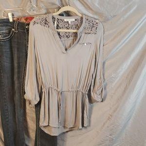 4/20 Daniel rainn blouse  size small